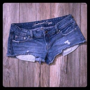 🌟AE Distressed Shorts🌟